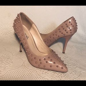 Bucco Capensis blush spiked heel